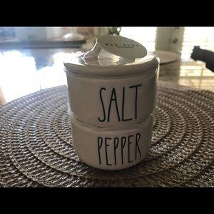 Rae Dunn new salt n pepper holder